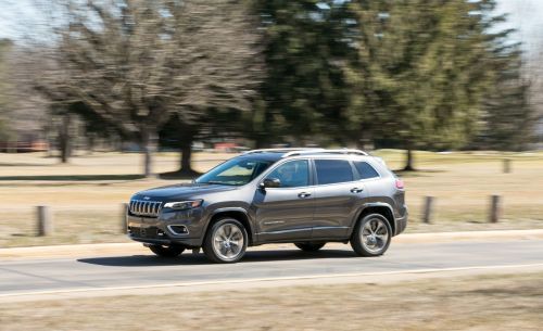 small resolution of jeep cherokee reviews jeep cherokee price photos and specs car and driver