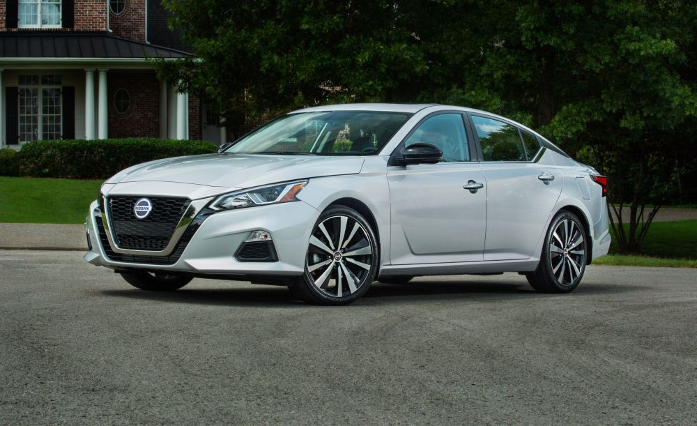 medium resolution of nissan altima reviews nissan altima price photos and specs car and driver