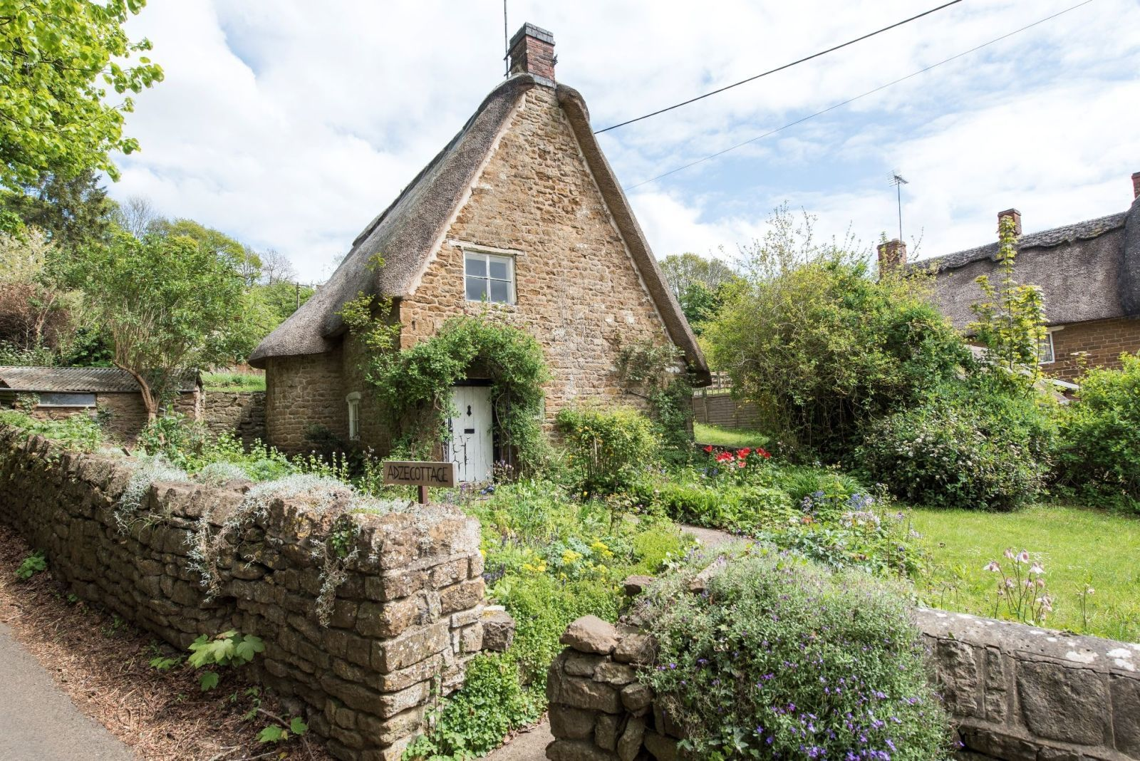 8 Dreamy Cotswold Cottages for Sale - Properties in the ...