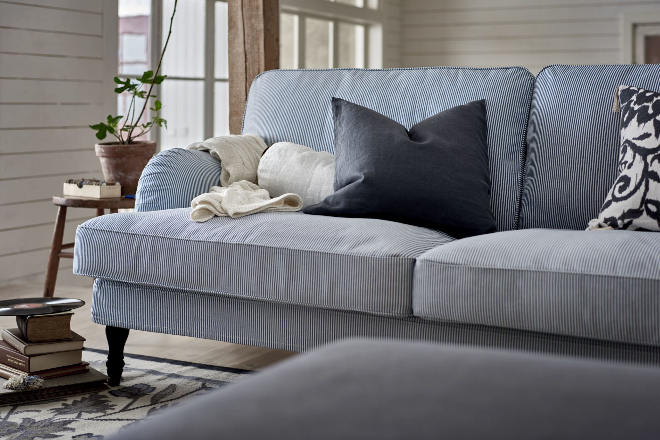 living rooms with grey couches cream room curtains 5 golden rules for choosing a sofa - buying guide