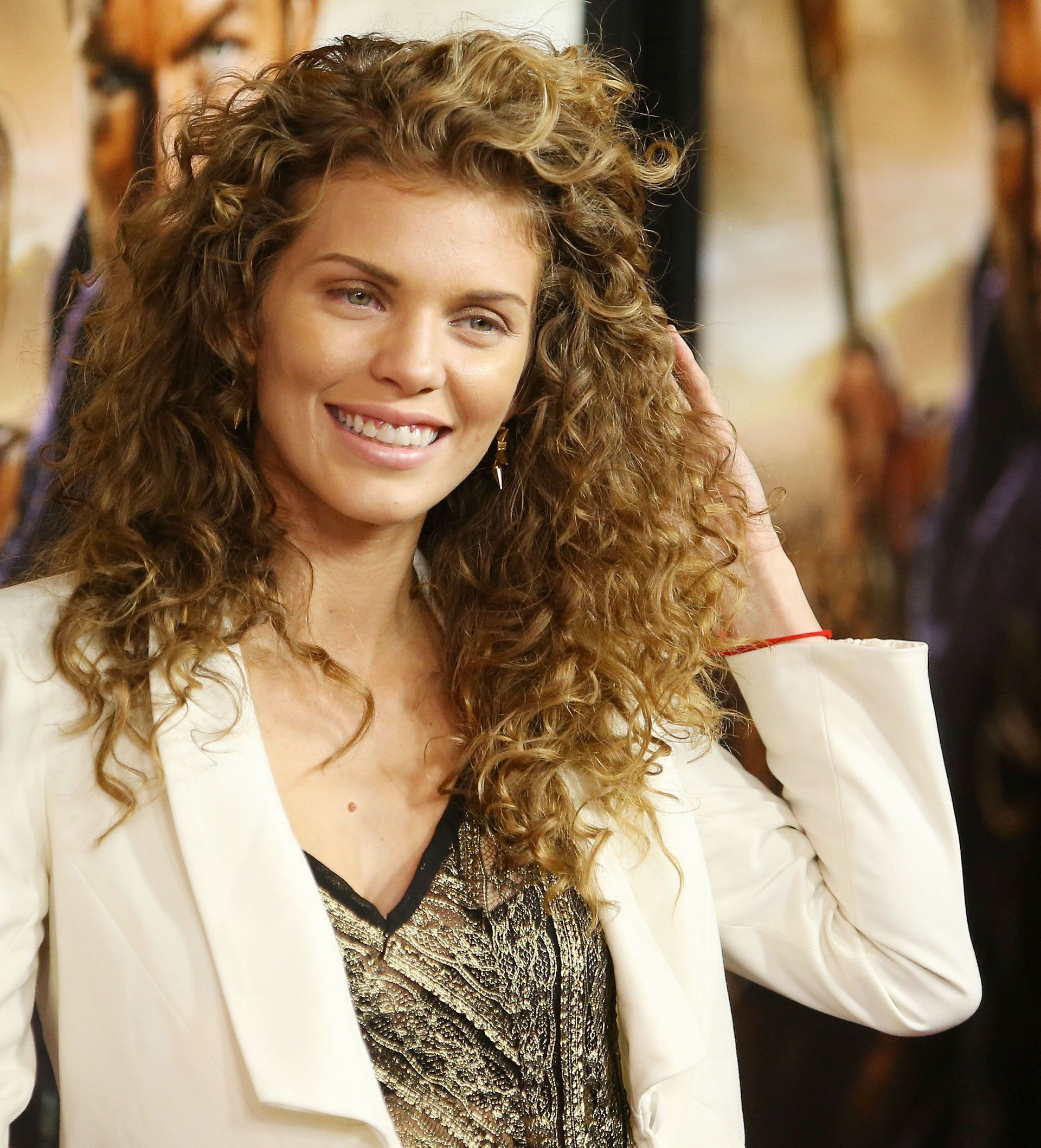 42 Easy Curly Hairstyles Short Medium and Long Haircuts for