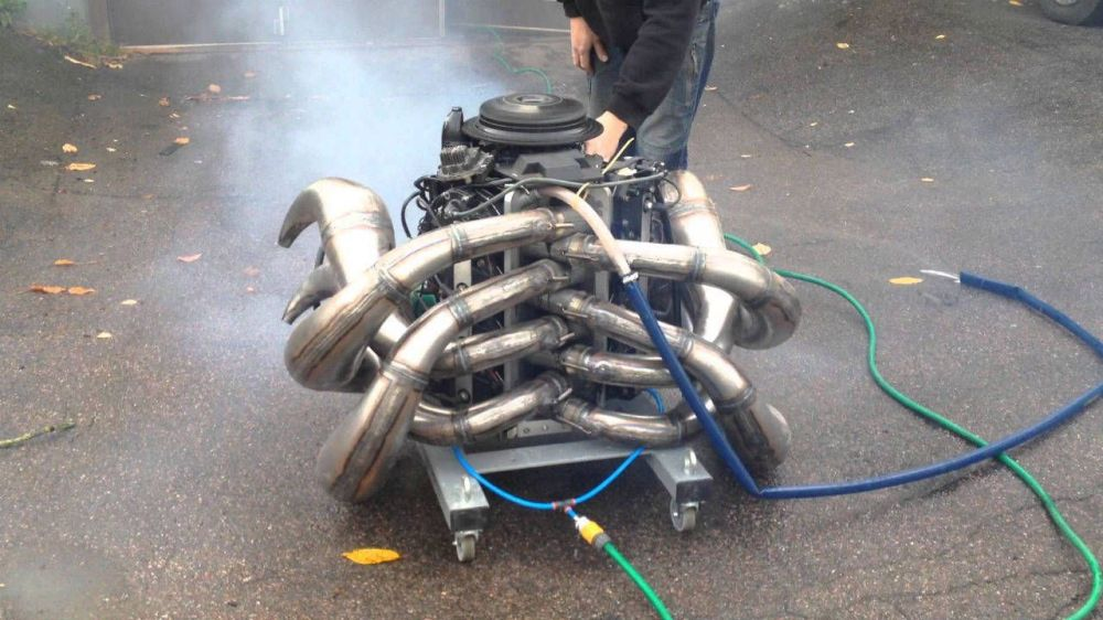 medium resolution of wake the devil winding up a 300 hp two stroke v8