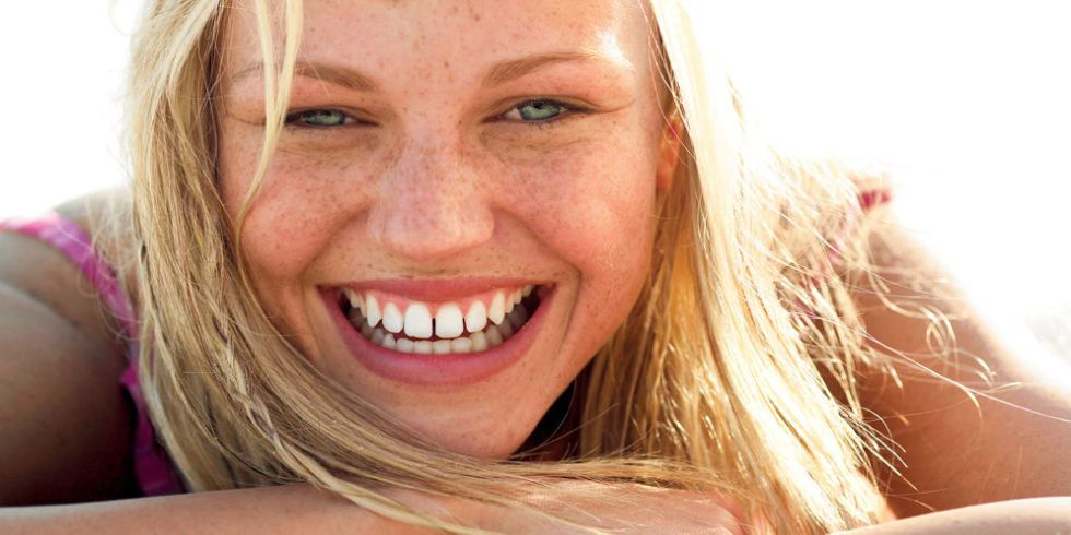 9 Makeup Tips Every Girl With Freckles Should Know