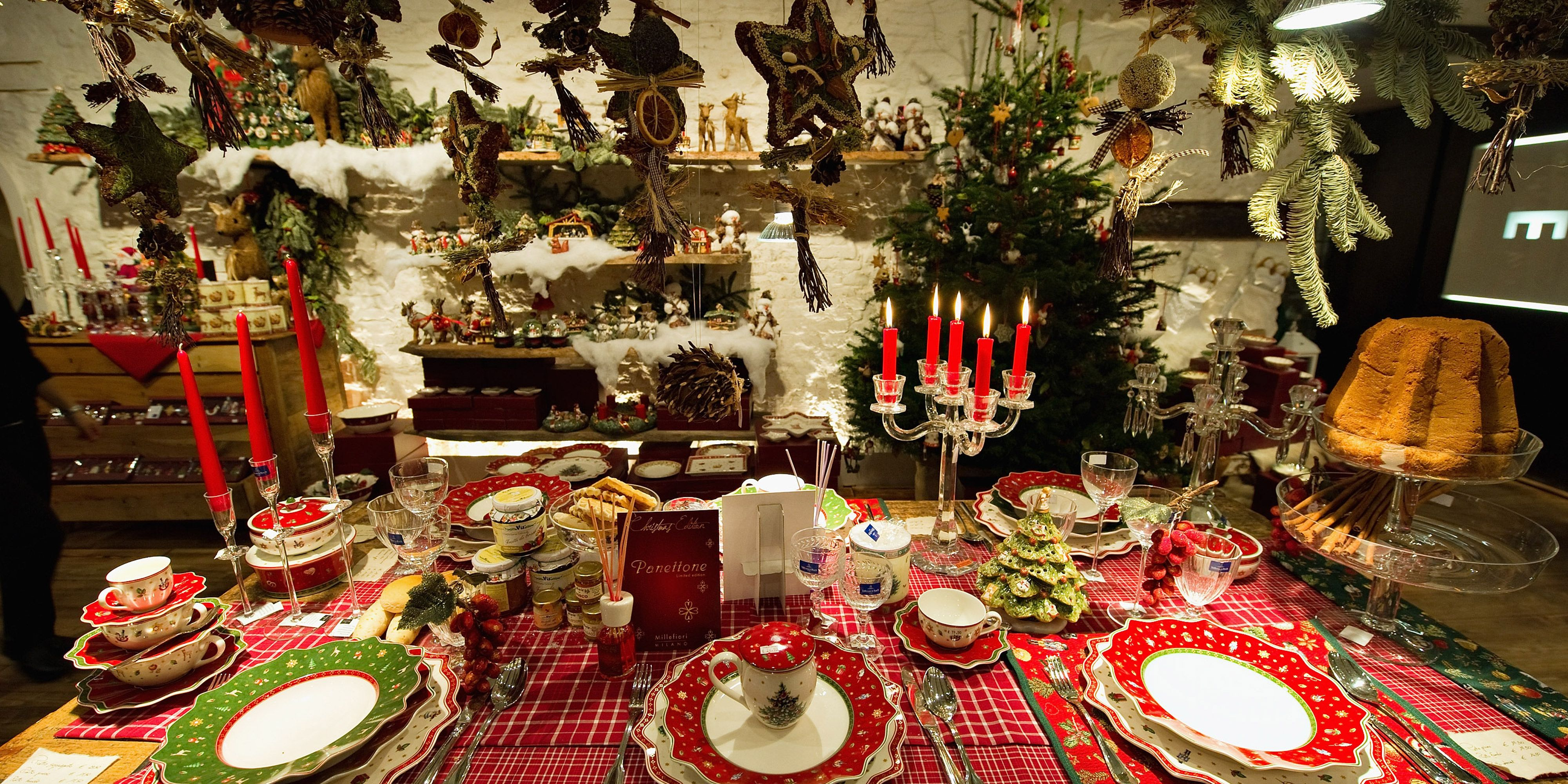 How To Decorate The Table For Christmas