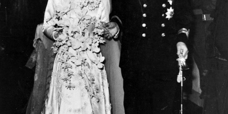 Queen Elizabeth's Wedding - Queen Elizabeth II Wedding to Prince Philip  Story & Photos