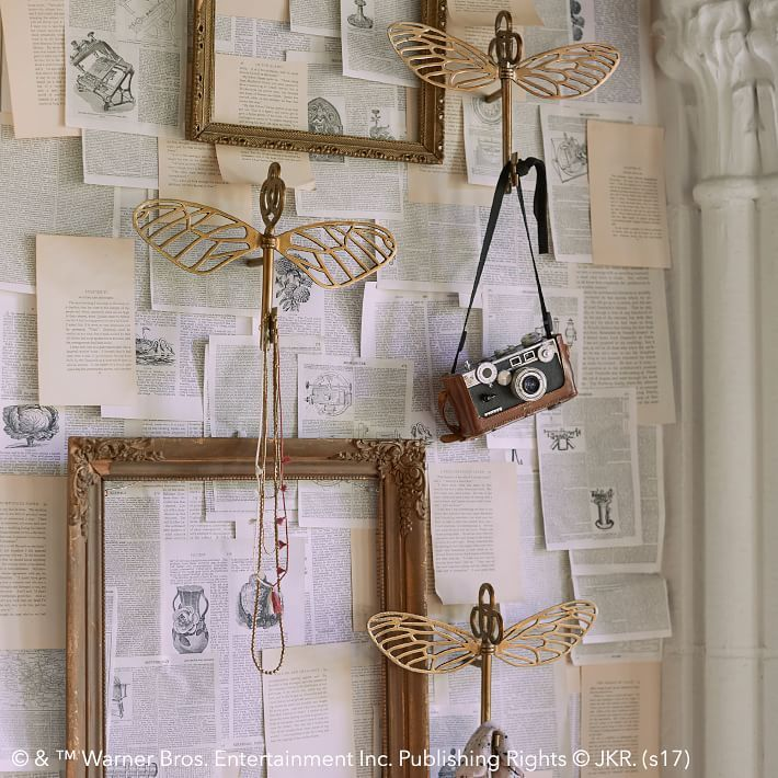 13 Harry Potter Decor Ideas You Need Asap Harry Potter Home Decorations