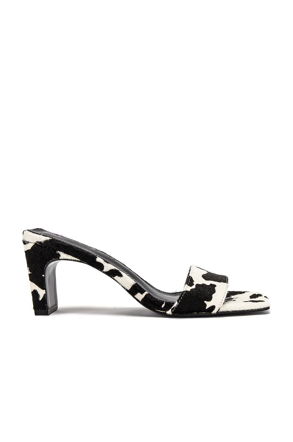 Arrow Heel in Black and White