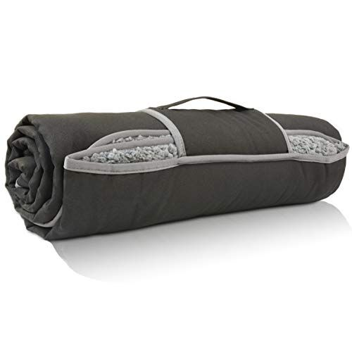 Waterproof outdoor blanket with Sherpa lining