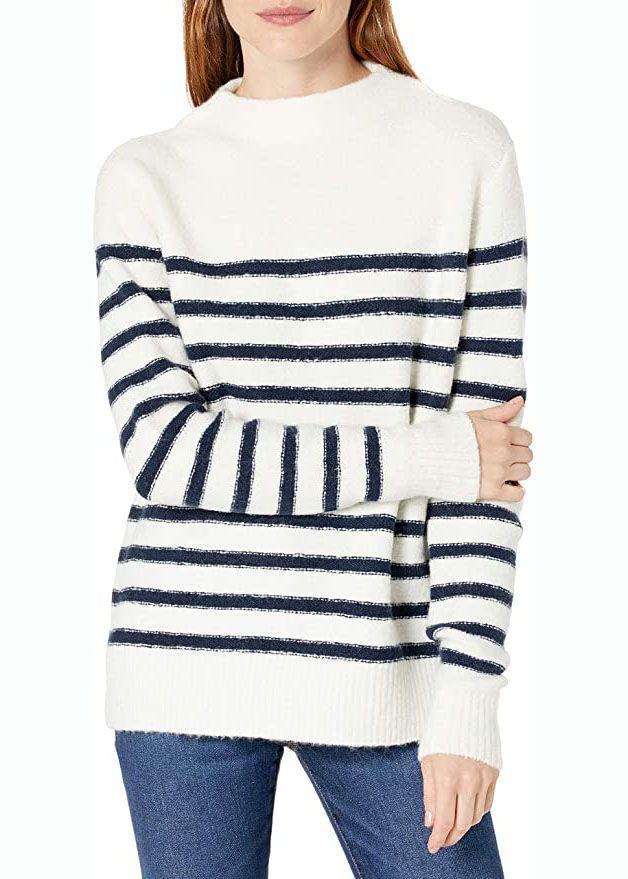 Gestreifter, kuscheliger Pullover mit Stehkragen