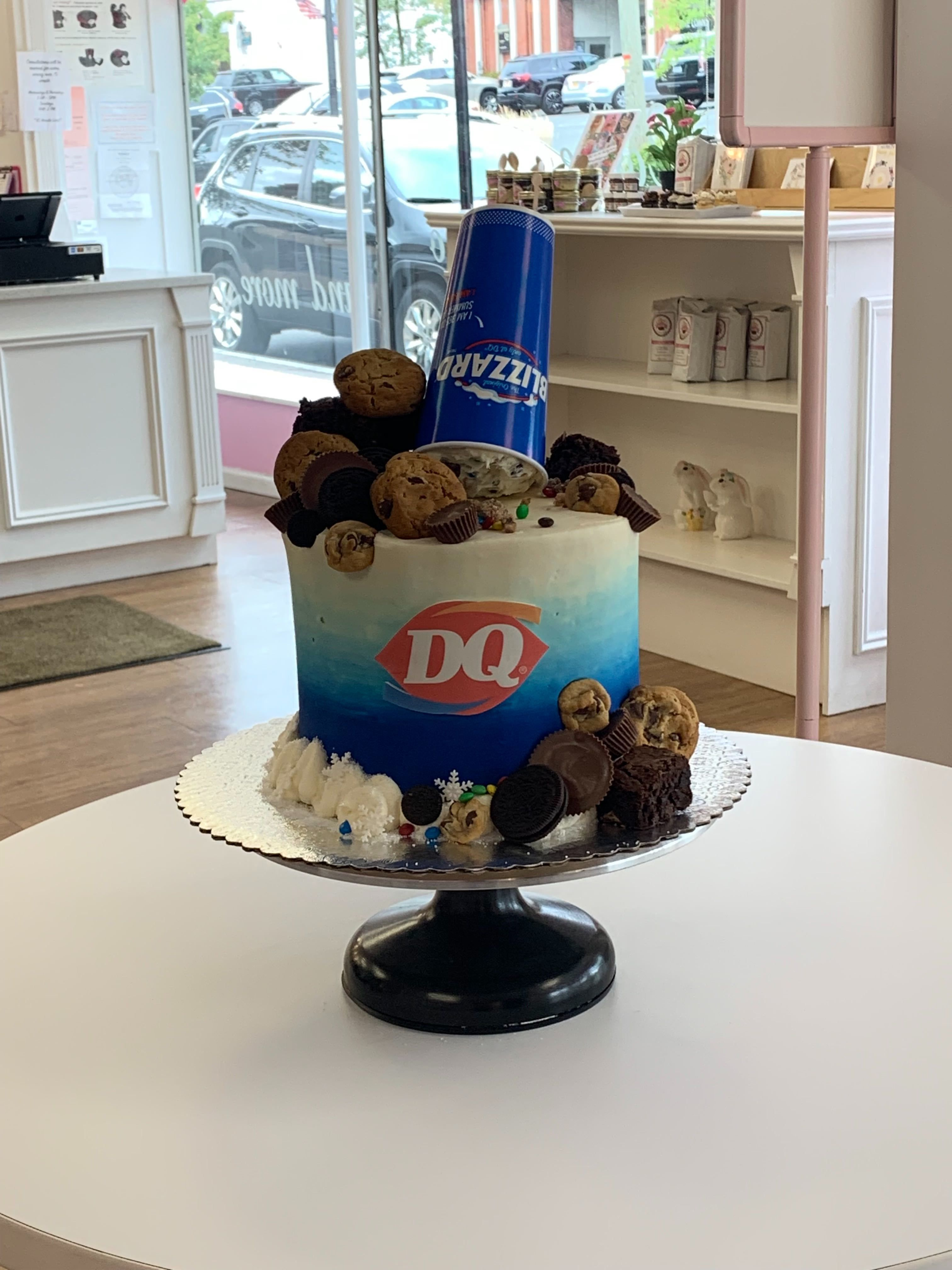 How Much Are Dairy Queen Cakes : dairy, queen, cakes, Dairy, Queen-Themed, Covered, Blizzard, Mix-Ins