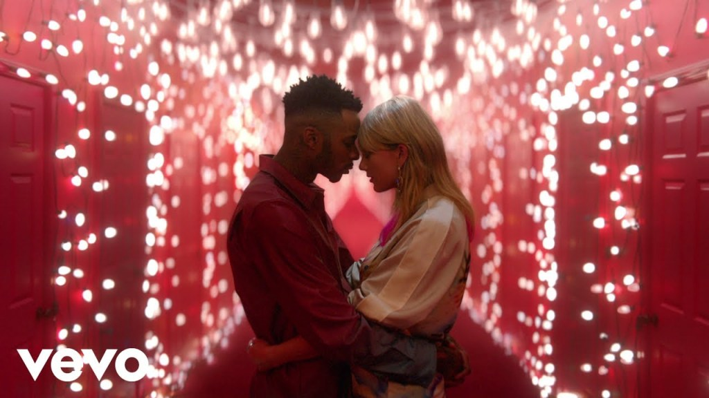 Taylor Swift – Lover (Video)