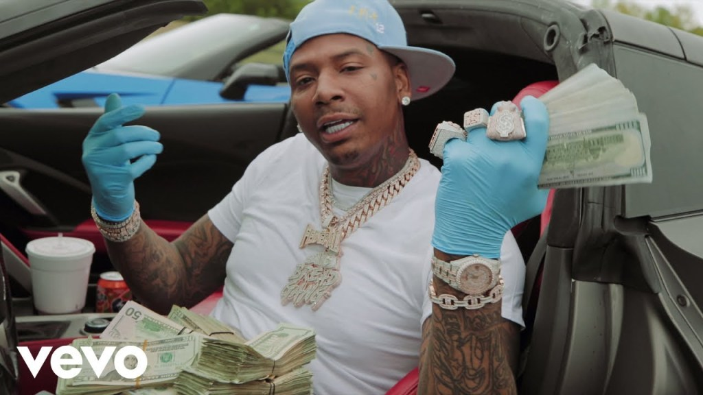 Moneybagg Yo Me Vs Me video