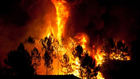 Aluminum Dust from Geoengineering Fueling Super Wildfires According to Author