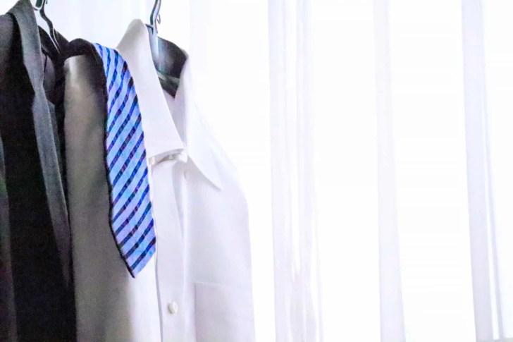 在宅勤務、スーツ