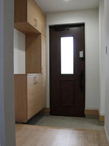 1号棟玄関内部