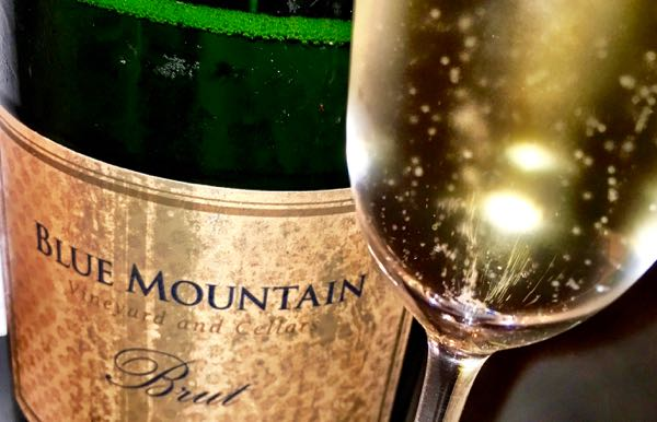 bubbles-blue-mountain-brut
