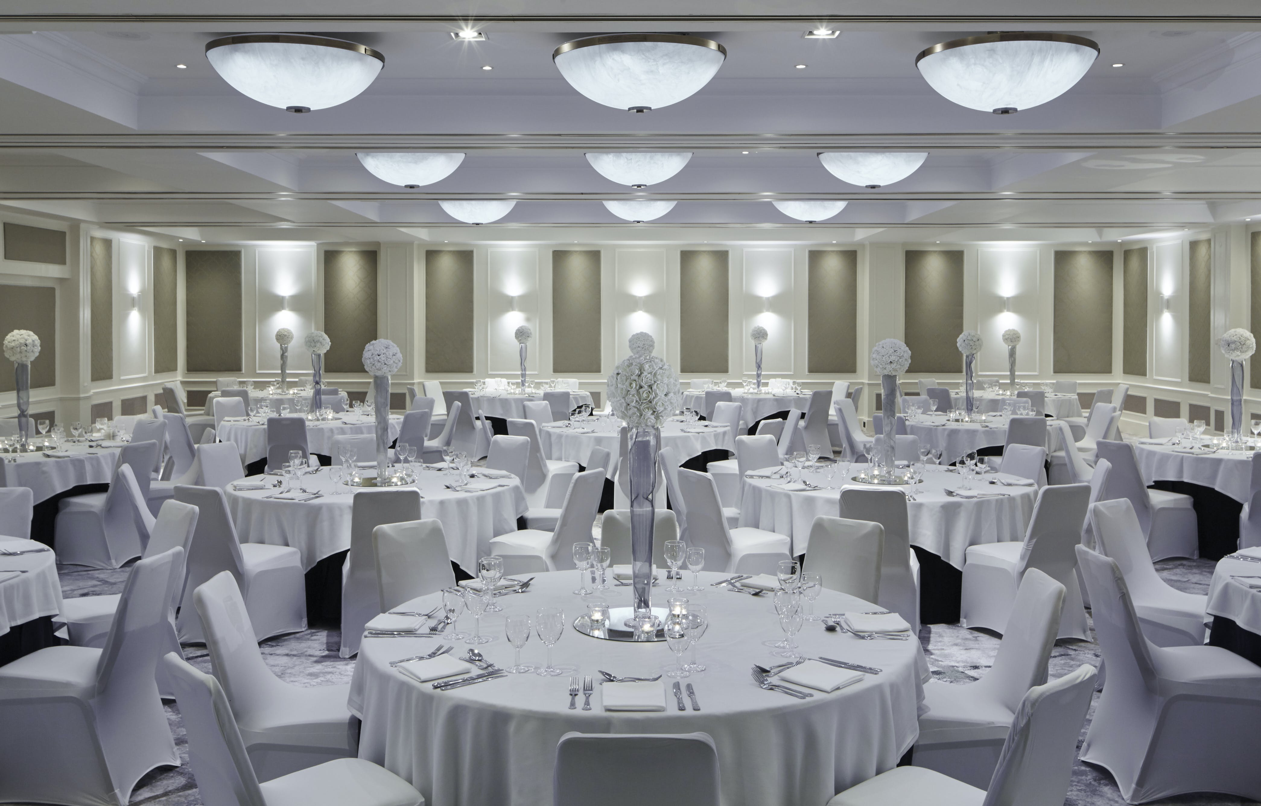 wedding chair cover hire bournemouth replica fermob luxembourg lounge highcliff marriott hotel photo of dorchester suite at