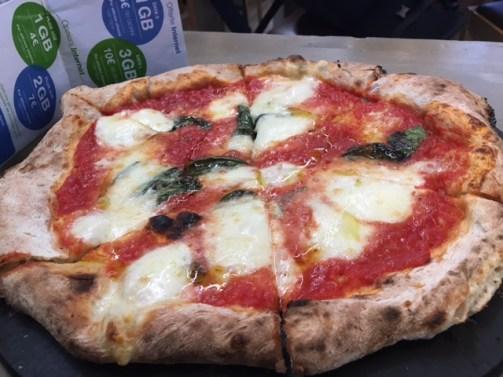 イタリア ピザ