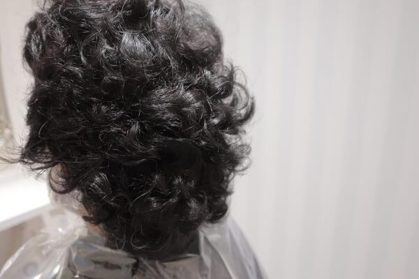 【1人で悩まないで】抗がん剤治療後のくせ毛をストレートに