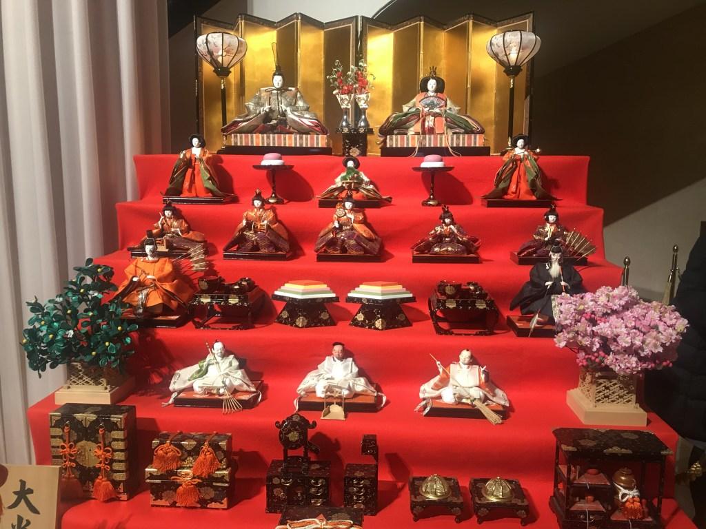 東京宝塚劇場のひな飾り