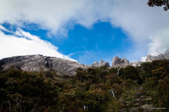 キナバル山標識2