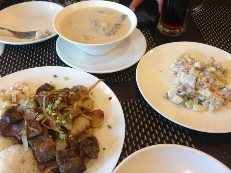 モンゴル 食事