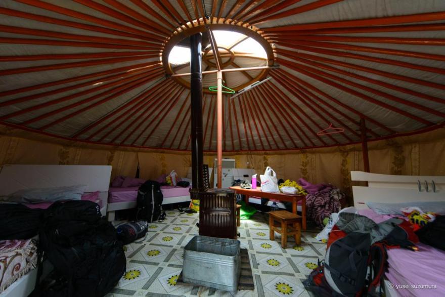 ツーリストキャンプ 内部