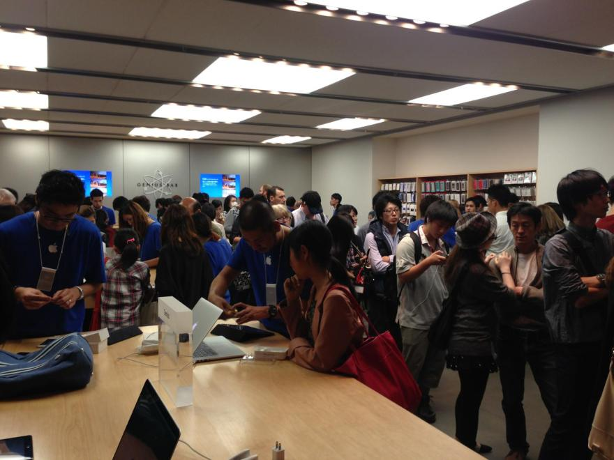 AppleStore渋谷の内部