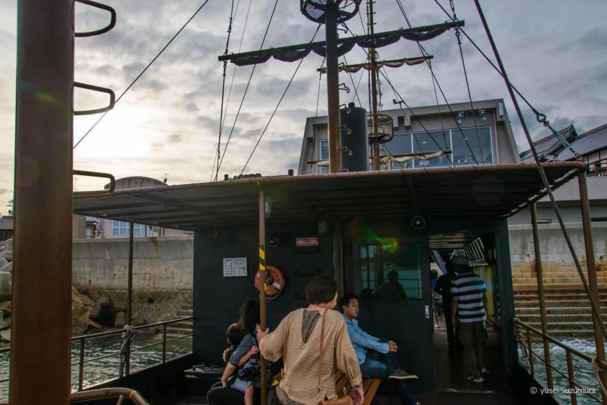 仙酔島に向かう船