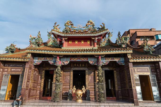 九フン 郊外の寺院