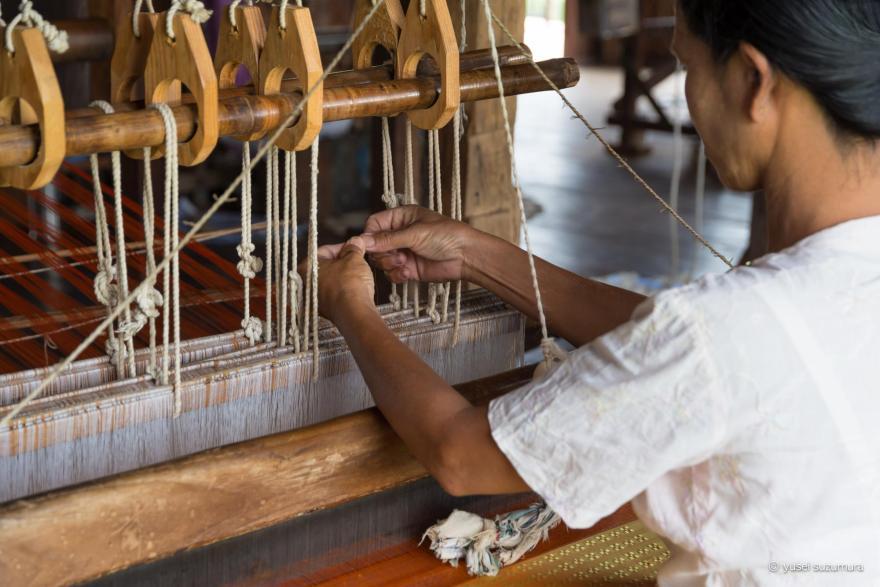 インレー湖 織物屋