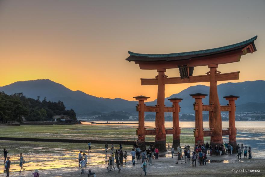 厳島神社 鳥居 夕焼け