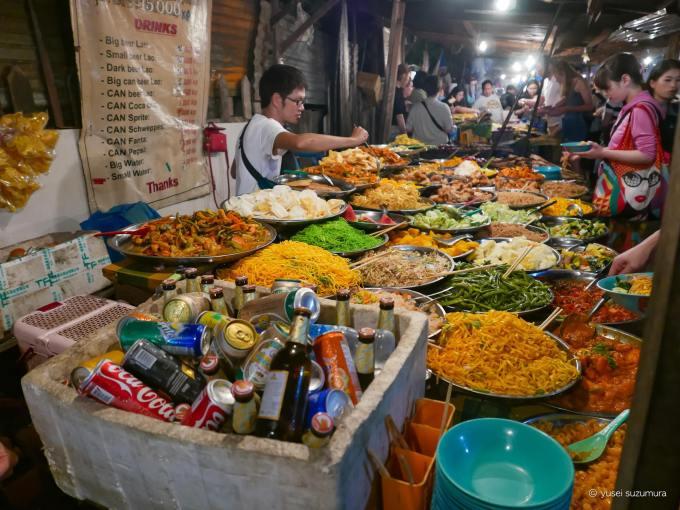 ルアンパバーン 夜店 ご飯 ナイトマーケット
