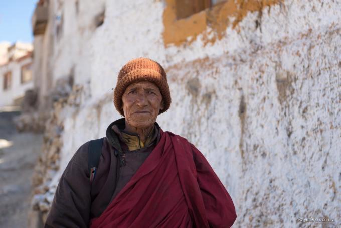 チェムレゴンパ チベット僧