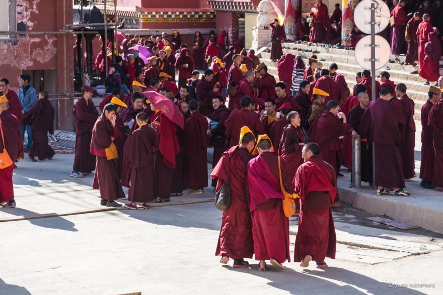 ラルンガルゴンパ 僧侶