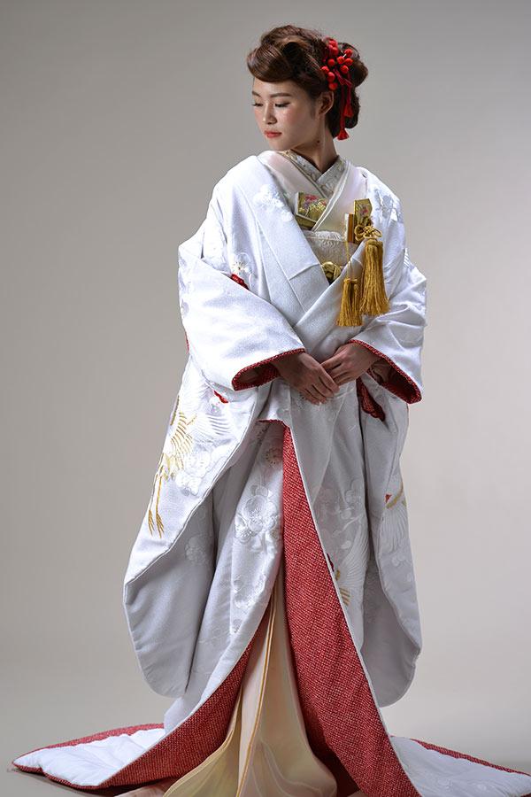 白無垢 赤梅に鶴