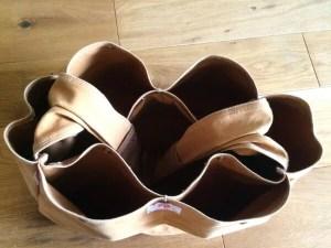 bagnnoun up-side-pockets