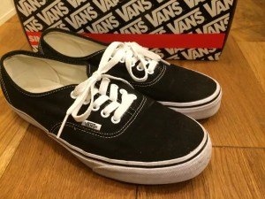 vans-authenthic side-view with box