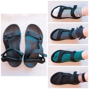 sport-sandals with sox