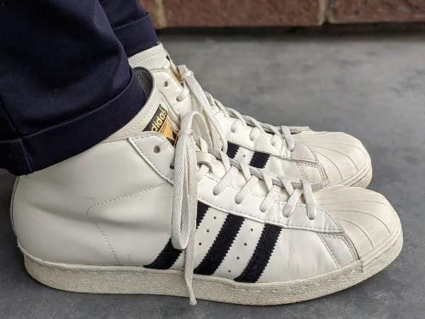 「アディダス・プロモデル」名作モデルのサイズ感やコーデ例を元靴屋が紹介・着用サイド画像