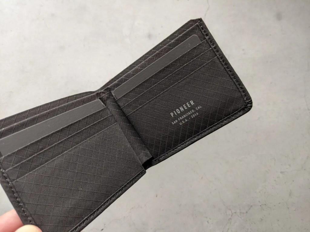 【パイオニアキャリー・コンパクトウォレット】アウトドアに最適なメンズ財布・財布画像