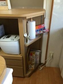 デッドスペースを有効活用する為にコーナー型の収納棚を製作しました。