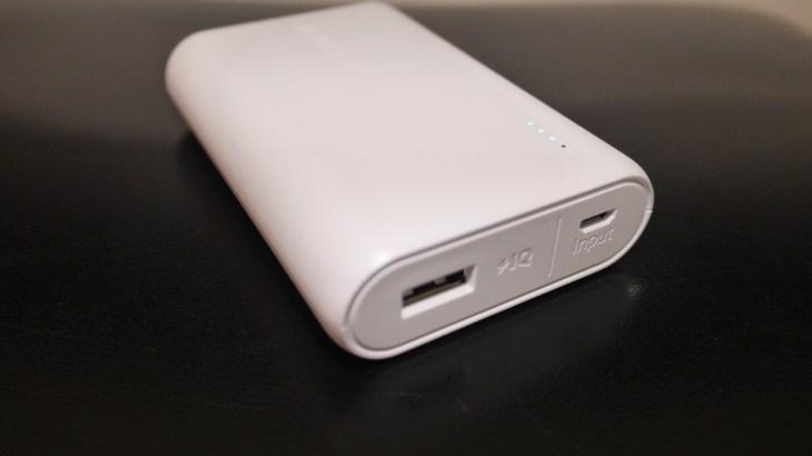 PowerCore10000はカードサイズの小ささで軽量&大容量なモバイルバッテリー!【Anker】