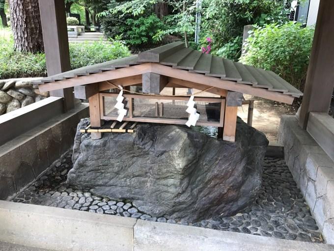 埼玉県護国神社手水舎