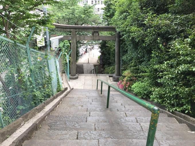 筑土八幡神社階段上