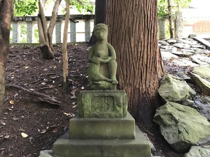 萩日吉神社狛猿左