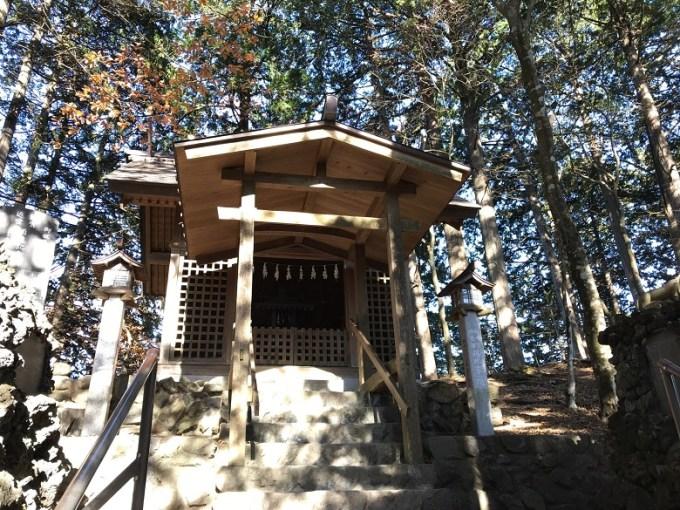 三峯神社遠宮拝殿