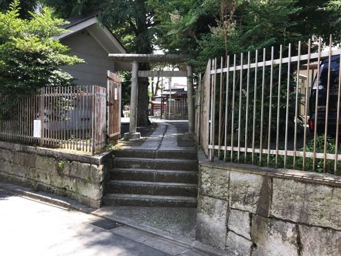 滝野川八幡神社裏参道