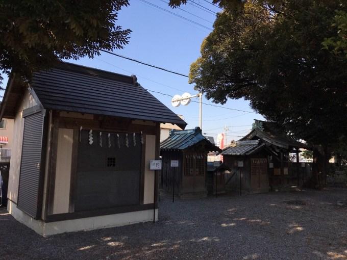菖蒲神社摂末社