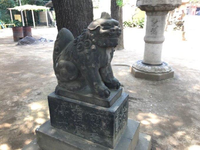 品川神社狛犬2左